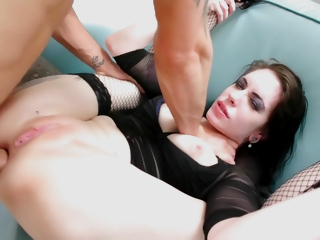 Anna De Ville - Babe in arms Anna Works Say no to Ass Only Against Three Guys In A
