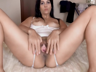 Kristinaslut Records Video For Lover While Cuckold Is Handy Work